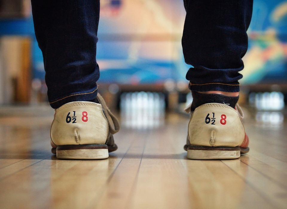 bowling-alley-690283_960_720